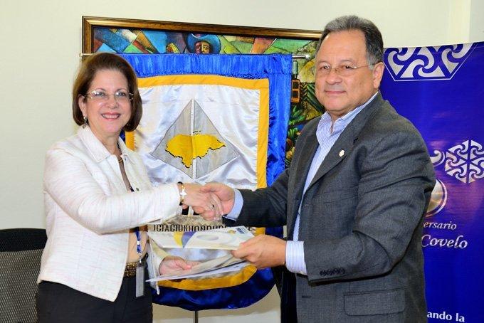 AHIBA firma convenio con la Fundación Jose María Covelo que beneficiará a pequeños productores